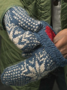 FROST mittens knitting pattern by Allison O'Mahony @kniterations.ca